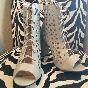 Shoes - New light grey open toe lace up booties